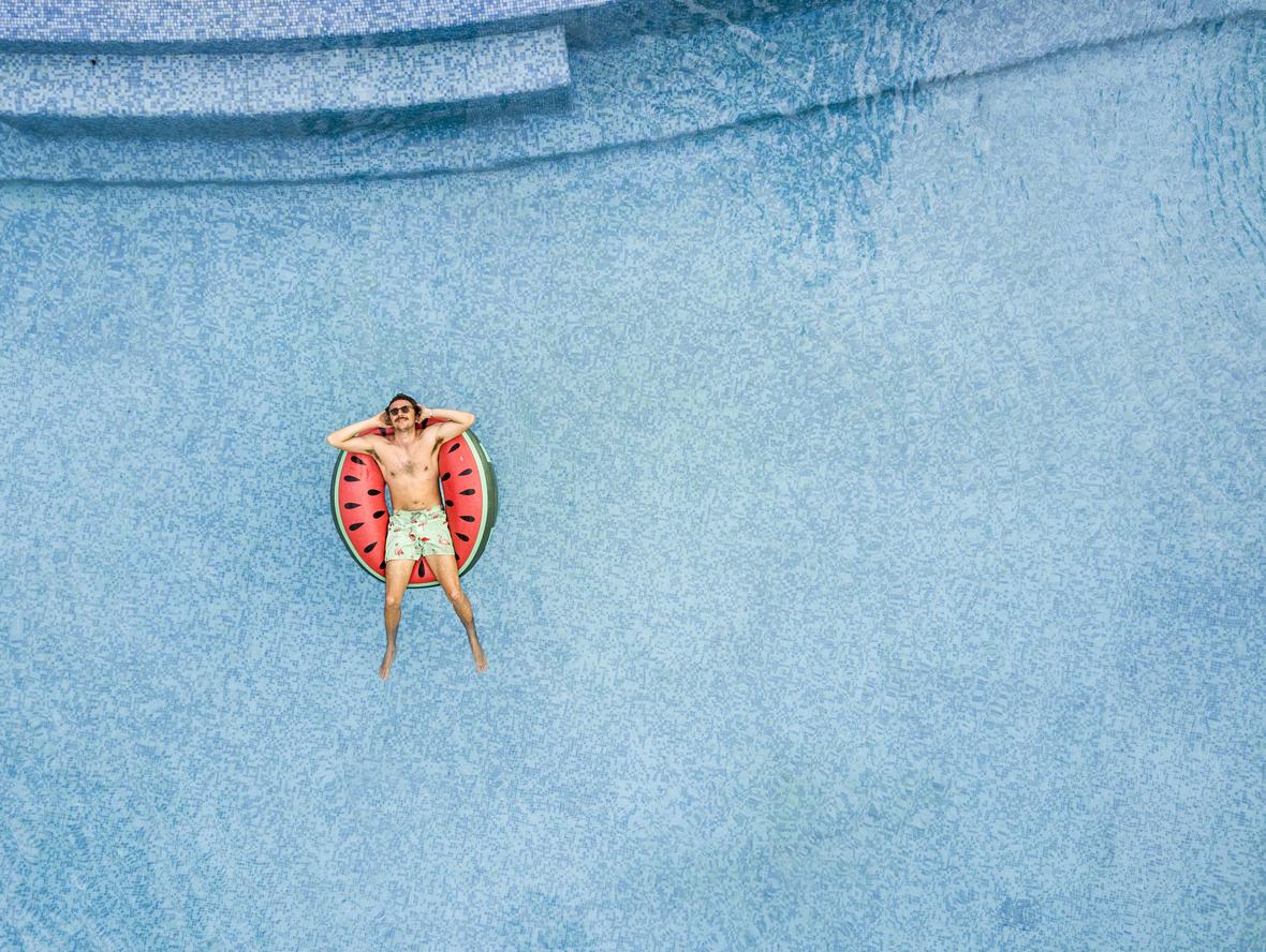 Denizi Kumu Güneşi Özleyenler Burada: Tıraşkadan Tatil Anılarıyla İster Eğlenin İster Dertleşin!
